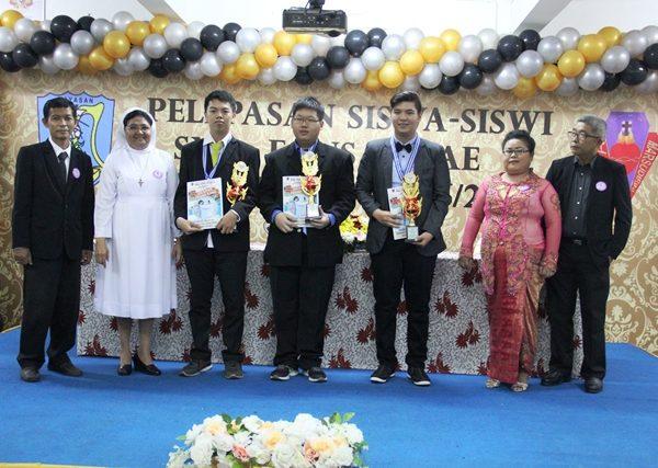 Wisuda Kelas XII SMA Fons Vitae 2 Marsudirini Jakarta 2017